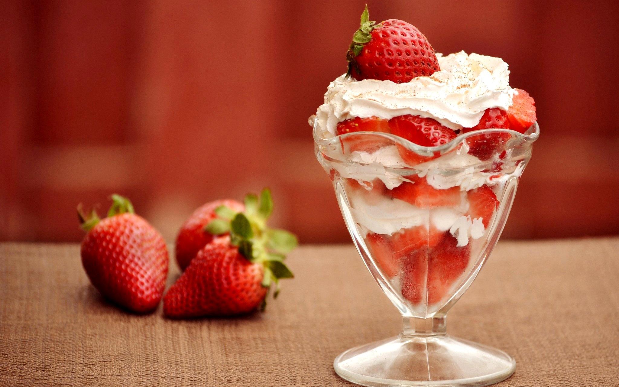 strawberry iceceam